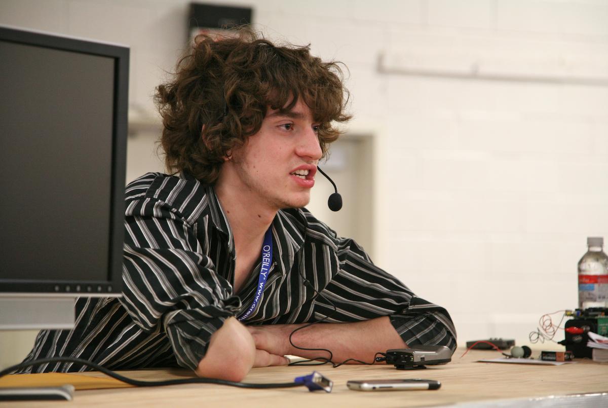 Имя - Джордж Хотц) дал интервью насчет взлома PSN. В интернет…